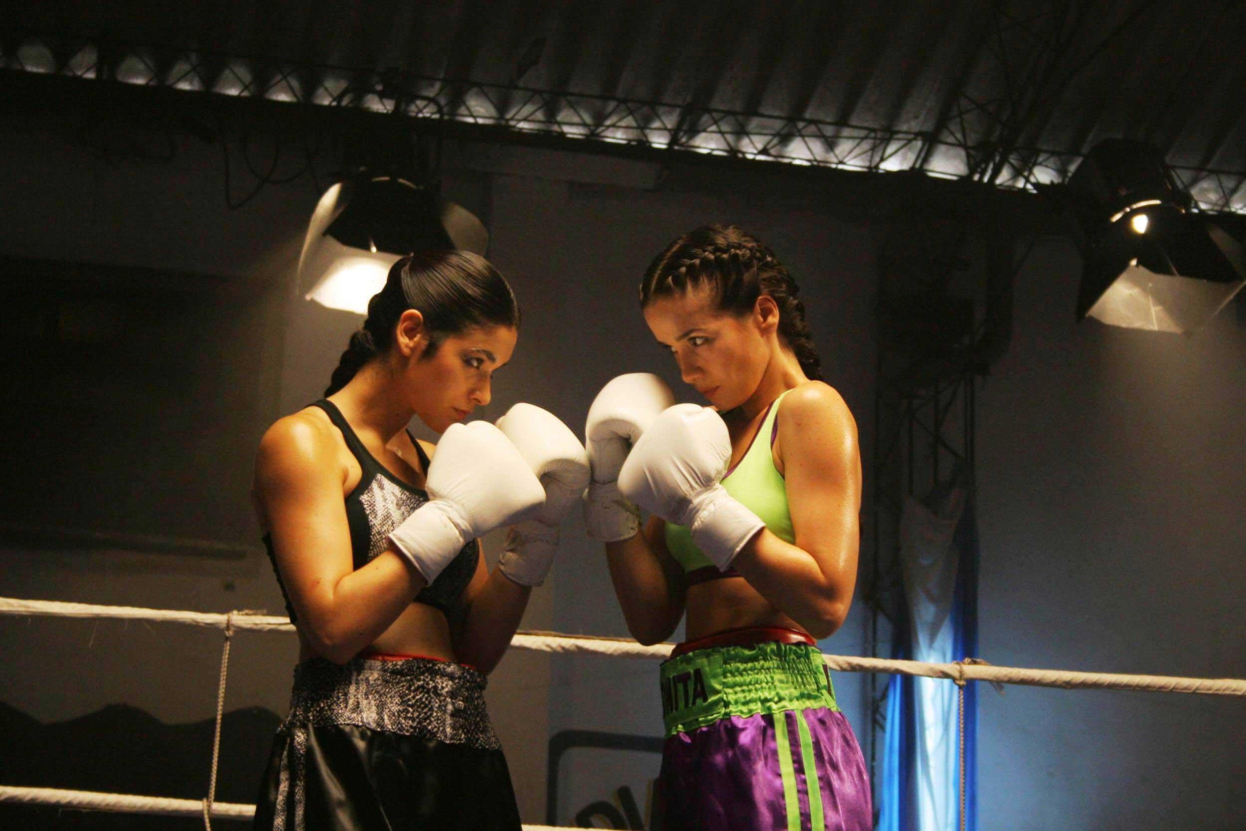 Фото женских боёв 21 фотография